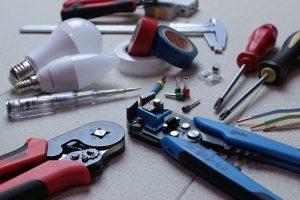 les matériaux dont un électricien a besoin