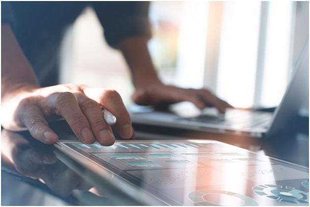 Comparateur banque en ligne : comment optimiser et choisir vos canaux de paiement ?